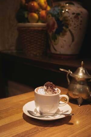 週末喫茶部、日比谷「紅鹿舎」へ。冬夜のホットチョコレート【EDITOR'S BLOG】