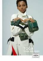 トーガ×ポーターのコラボバッグ第2弾が発売! ショルダー ウォレットや巾着バッグなど全4型