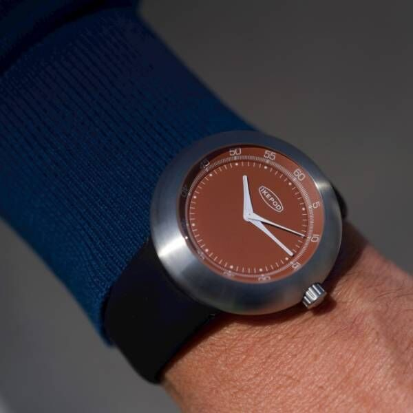スイス時計ブランド「アイクポッド」、新コレクションMegapodで復活後初の限定モデルを発売
