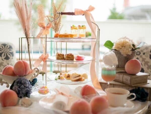 ホテル ラ・スイート神戸ハーバーランドで過ごす、麗しき「桃づくし」のアフタヌーンティー