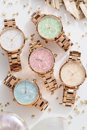 好運を運んでくれそうなキラキラした腕時計「LUCKY STAR」が登場