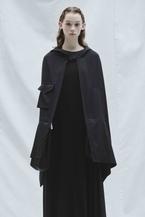 discord Yohji Yamamoto、2020-21秋冬コレクションでは衣服として纏うバッグを表現