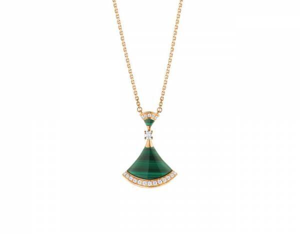 ブルガリ「ディーヴァ ドリーム」にイエローゴールドにマラカイトとダイヤモンドをあしらった新作ジュエリーが登場