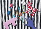 スウォッチから、イギリスのアーティストデュオ「ジョアン・タタム&トム・オサリヴァン」のアートウォッチが登場