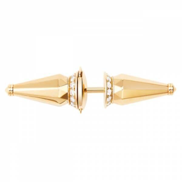 「ジャック ドゥ ブシュロン シングル スタッズ イヤリング」 YG, ダイヤモンド ¥358,000(税込/予価)