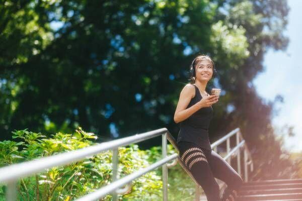 モデル・スポーツインストラクター岩崎志保の「Soundtrack Your Workout」で楽しむ、秋のモーニングルーティーン