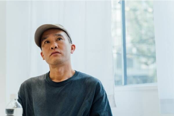 Mr. CHEESECAKEが現代美術作家・加賀美健氏と共同で制作したオリジナルショッパーが登場