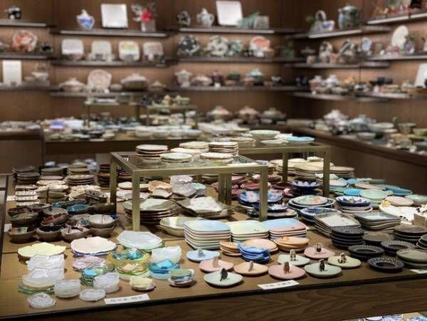 お正月アイテムをそろえて新年を。伊勢丹新宿店で約50名の作家の豆皿を集めた「豆皿展」開催