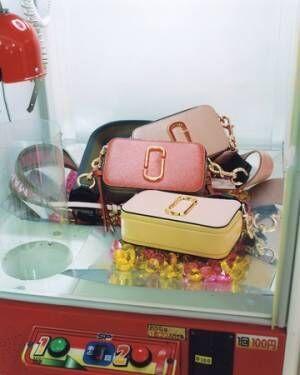 ダブル Jロゴの財布にスヌーピーの腕時計など、マーク ジェイコブスからホリデーシーズンにぴったりなアイテムが登場