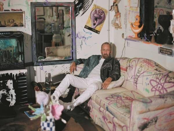 アメリカのアーティスト ケニー・シャーフとコラボ。ディオールがフォール 2021 メンズ コレクションを発表