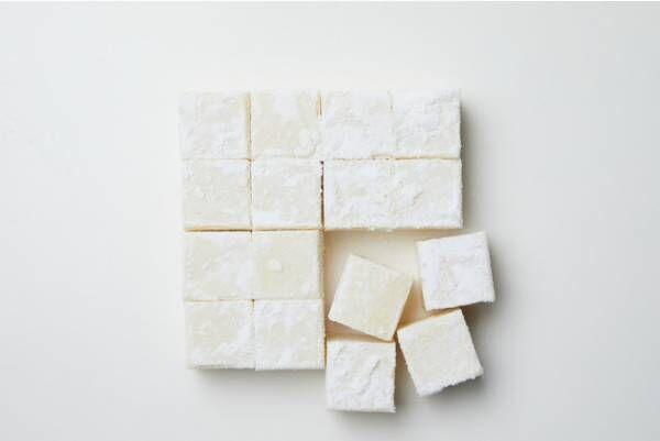 メゾン カカオがDEAN & DELUCAのために作った、ホワイトチョコとジンをかけ合わせたアロマ生チョコレート