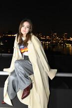 ゴッサム・アワードで注目若手女優タリア・ライダーがルイ・ヴィトンの2021春夏ランウェイルックを着用