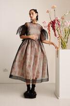 シモーン・ロシャとH&Mがコラボ。ロシャ初となるメンズウエア、キッズウエアのコレクションも展開