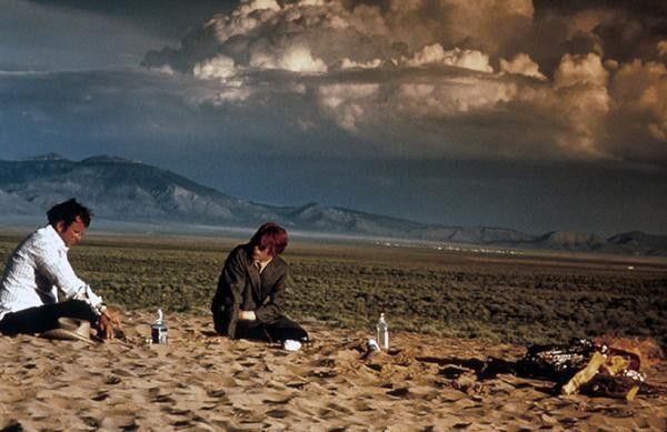 映画『地球に落ちて来た男』デヴィッド・ボウイ初主演作、誕生日と命日に全国で追悼上映