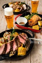 メルセデス・ベンツ×サッポロビールの屋外ビアテラス、最高峰ヱビス マイスターと肉料理を堪能