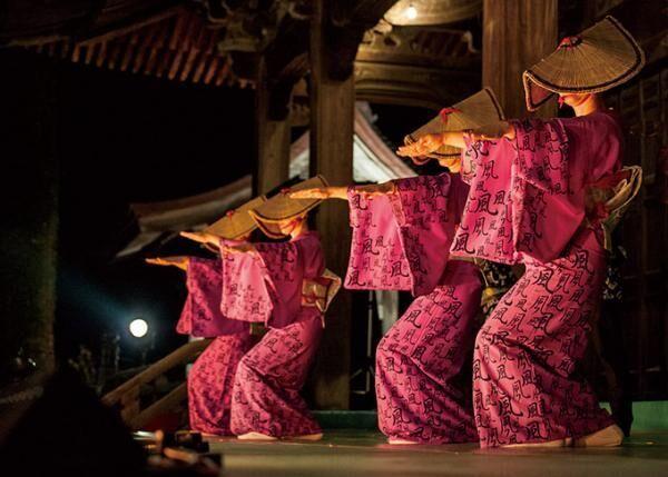 満月の下で抹茶と優雅な踊りを堪能する「十五夜茶会」白金台・八芳園で開催