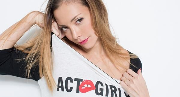 土屋アンナによるファッションブランド「アクトガールズ(ACT GIRLS)」デビュー