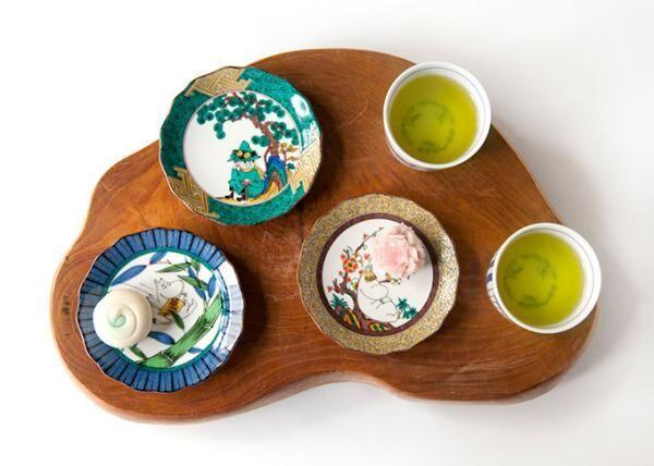 ムーミンが九谷焼の小皿に、五彩を活かした日本画のようなデザイン - アマブロより発売