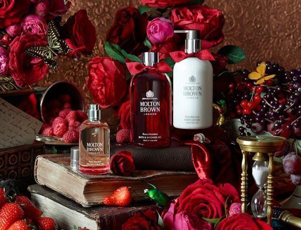 英国王室ご用達・モルトンブラウン初のローズ香るコレクション - ラグジュアリー感溢れるパッケージ