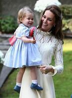 英・キャサリン妃、シーバイクロエのドレスを着用