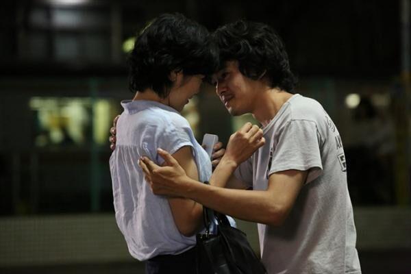 映画『裏切りの街』池松壮亮×寺島しのぶ、専業主婦と15歳年下フリーターの禁断の恋愛