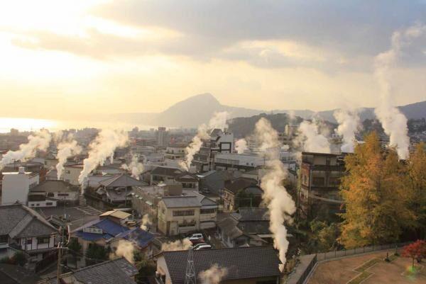 新宿・ビームス ジャパンに別府の源泉掛け流し「ビームスの足湯」が登場