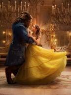 ディズニー映画『美女と野獣』ベル役エマ・ワトソンで実写化、ビル・コンドン監督が明らかにする物語の真実