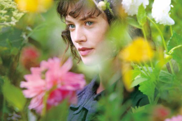 映画『マイ ビューティフル ガーデン』美しき庭に学ぶ豊かな人生、英・俳優陣が贈る心温まる人間ドラマ