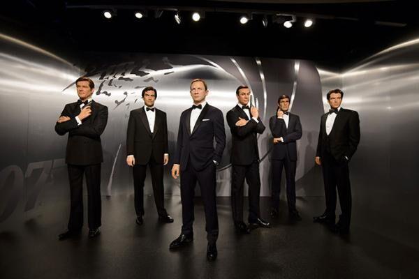 映画『007』歴代ジェームズ・ボンド等身大フィギュアがバーニーズ ニューヨーク六本木・銀座店に