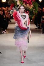 ヴィクター&ロルフ17年春夏オートクチュールコレクション -日本の金継ぎの美を用いて再構築したドレス