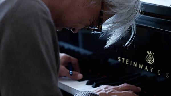 音楽家・坂本龍一のドキュメンタリー映画 - 5年に渡る密着取材とこれまでの音楽的探究を追う