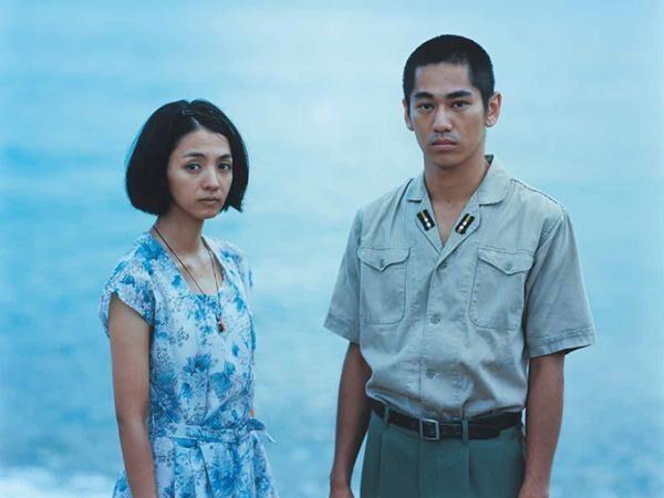 映画『海辺の生と死』主演満島ひかり - 太平洋戦争末期の島を舞台に、特攻艇へ出撃する男との愛を描く