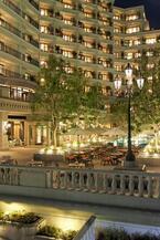 神戸港を望むテラスでワイン&ビアガーデン、ホテル ラ・スイート神戸ハーバーランドで