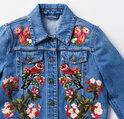 グッチから三越伊勢丹限定「GUCCI HANA」コレクション、デニム素材のジャケットやスニーカー