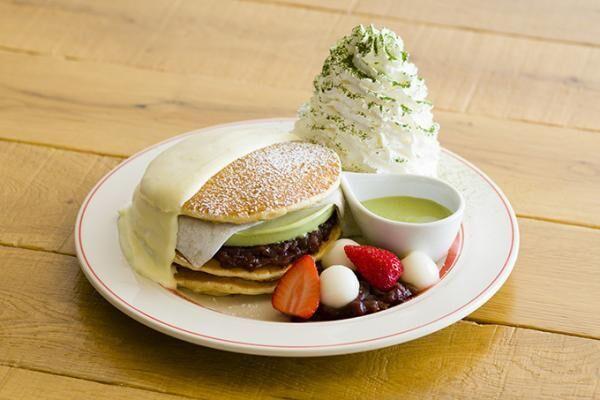 エッグスンシングス、京都四条店限定の「宇治抹茶アイスパンケーキ」仕上げに柚子クリーム&抹茶ソース