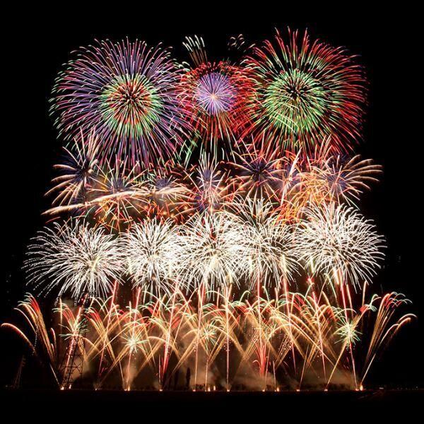 「佐倉花火フェスタ」関東最大約16,000発、巨大花火が千葉の夜空を彩る