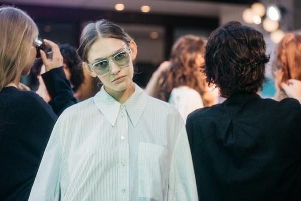 ステラ マッカートニー、東京・虎ノ門で18年春ウィメンズ&17年秋冬メンズのプレゼンテーション開催