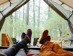 Tevaのスニーカー「エンバー モック」キルティングのアッパー、古き良きキャンプスタイルに着想を得て