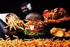 "J.S. フーディーズ×湖池屋「カラムーチョ」、""クセになる辛さ""のハンバーガーやチキン限定登場"