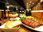 ベーカリー「メゾンカイザー」初のビアガーデン - お酒に合う天然酵母パンが食べ放題、肉&ビールも