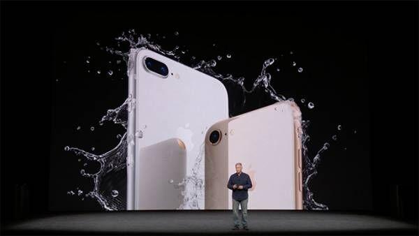 アップルが「iPhone 8 / 8 Plus」を発表 - ワイヤレス充電機能を新搭載