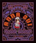 アナ スイのビジュアル本『ザ・ワールド・オブ・アナ・スイ』スケッチ等700以上の写真でキャリアに迫る