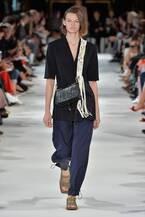 ステラ・マッカートニー18年夏コレクション - 扇風機もアイコンに、存分に楽しむサマーファッション