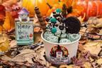 ロールアイス専門店「ロール アイス クリーム ファクトリー」のハロウィン限定カップ、仮装したシロクマ
