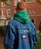 トミー ジーンズ 17年秋の新作、ウォッシュ加工&原色使いのデニムパンツやジャケット
