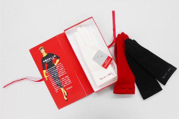 「中原淳一の手袋」華奢な手元を演出する限定アイテムが渋谷ヒカリエで先行発売