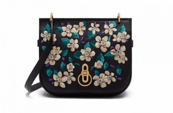 マルベリーからクリスマスコレクション、花柄刺繍のバッグやゴールドのミニ バックパックなど