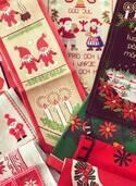 「赤坂蚤の市」が北欧クリスマスマーケットに、アンティーク雑貨や食器が集結 - リース作りも