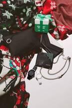ディーゼルから、クリスマスギフトに最適なメンズシューズやデニム素材の2WAYバッグ