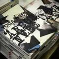 トーガ20周年記念雑誌『トーガ・ヴェルク』登場、店舗限定Tシャツやキャップも